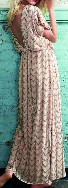 This page Maxi Dress is gorgeous! In love!! || pale & glittery maxi