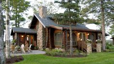 Rustic Lakefront Log Home Retreat