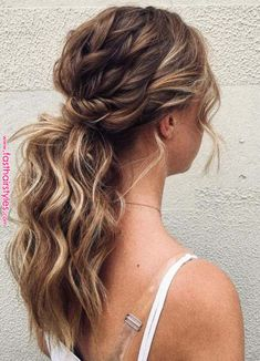 Perfect Ponytail Hairstyles Trends for Women in 2018 – Hair Styles 2019 Fancy Hairstyles, Braided Hairstyles, Wedding Hairstyles, Ponytail Hairstyles For Prom, Bridesmaid Hair Ponytail, Ponytail Wedding Hair, Low Pony Hairstyles, Curly Hair Ponytail, Prom Hair Updo