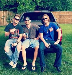 Bk, Chase Rice, & Thubb. Alright there are not enough words to describe how much in love this picture.....it's just....all 3 of them!!