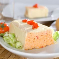 Quick and Easy Fish Terrine – Recipe Ingredients: 1 can of tuna, 1 can of crab crumbs, 1 can of shrimp, 1 can of salmon, 2 eggs Fish Recipes, Meat Recipes, Cooking Recipes, Seafood Appetizers, Appetizer Recipes, Party Sandwiches, French Food, Savoury Dishes, Vanilla Cake