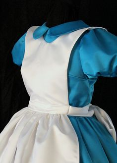Classic Alice in Wonderland Custom Costume Halloween Bride Costumes, Alice Halloween, Alice Cosplay, Alice Costume, Book Week Costume, Alice In Wonderland Tea Party, Black Headband, Halloween Disfraces, Trending Outfits