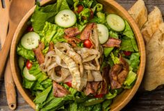 Roasted Onion Bacon & Tomato Salad Cooked on the grill Corn Recipes, Vegetable Recipes, Salad Recipes, Grilled Vegetables, Veggies, Wood Pellet Grills, Roasted Onions, Vegetarian Chili