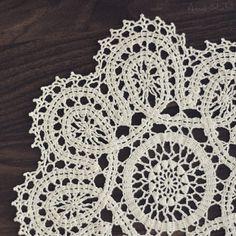 "Polubienia: 306, komentarze: 10 – @_amal.sh na Instagramie: ""#crochet #doily #design #art #love #creative #classy #modern"""
