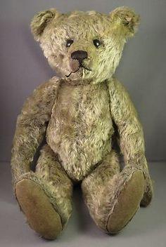 """Tried Teddy.Rare Steiff Bear, Circa 1908 - Gray Mohair, Underscore """"F"""" Ear… Teddy Bear Hug, Old Teddy Bears, Steiff Teddy Bear, Antique Teddy Bears, Teddy Bear Toys, Antique Toys, Vintage Toys, Love Bear, Bear Doll"""