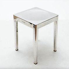 Tavolino Occasional Table stool designer Philippe Starck  Emeco Stati Uniti d'America 2001 in alluminio  #table #coffeetable #starck #usa #loft #industrial #vintage #design #modernism #emeco #interiordesign #cool #style #aluminum #inox #philippestarck #metal