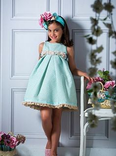 vestidos de niña todo pique - Buscar con Google Little Girl Dresses, Girls Dresses, Flower Girl Dresses, Cute Outfits For Kids, Dope Outfits, Baby Couture, Princess Girl, Maid Dress, Kind Mode