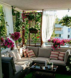New Ideas front patio furniture porch makeover Small Balcony Garden, Small Balcony Decor, Balcony Design, Inside Garden, Balcony Decoration, Apartment Balcony Decorating, Apartment Balconies, Interior Decorating, Window Decorating