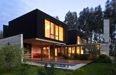 Small modern contemporary house designs with swimming pool