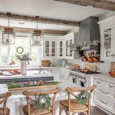Farmhouse Kitchen Tables, Modern Farmhouse Kitchens, Home Decor Kitchen, Country Kitchen, Kitchen Interior, New Kitchen, Home Kitchens, Design Kitchen, Farmhouse Homes