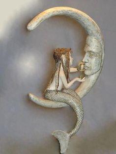 Hannie Sarris Sculpture Mermaid on the Moon. Mermaid Fairy, Baby Fairy, Mermaid Sculpture, Sculpture Art, Fantasy Creatures, Sea Creatures, You Are My Moon, Mermaids And Mermen, Merfolk