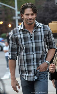 Joe Manganiello he even looks good with clothes on Serie True Blood, Joe Maganiello, Joe Manganiello True Blood, Evolution Of Fashion, Dapper Gentleman, Celebrity Crush, Celebrity Photos, Perfect Man, Cute Guys