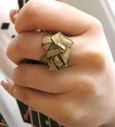 Bronze Origami Cocktail Ring by Redbud Jewelry on Scoutmob Shoppe. Take your origami on the go with this handcrafted yellow bronze cocktail ring. Origami Jewels, Origami Ring, Origami Art, Unique Jewelry, Jewelry Accessories, Jewelry Rings, Jewellery, Love Ring, Cocktail Rings