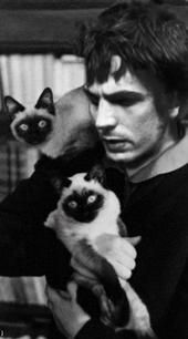 I would feel awful calling Syd Barrett a crazy cat man, so I'll just say Syd Barrett has some wild looking cats!
