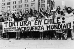 11 Documentaries on the Military Dictatorship in Chile Victor Jara, Chili, Military Dictatorship, Acevedo, Photo Calendar, Fidel Castro, Stage Play, Documentaries, Colours