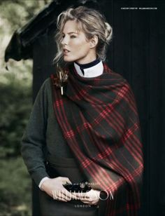 Fp h - woman in tartan scarf colour. William and Sons of England Country Fashion, Country Outfits, Boho Outfits, Simple Outfits, Tartan Fashion, Look Fashion, Fashion Models, Classic Fashion, Woman Fashion