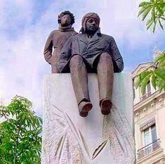 """Statue de Antoine Saint-Exupéry et du """"Le Petit Prince"""", Place Bellecour, Lyon, France"""