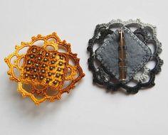 What a cool way to use a classic Venetian crochet lace style of motif!!  by Un Jardín De Hilo, via Flickr