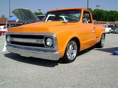 Chevy C10 Pickup w/ late model bed