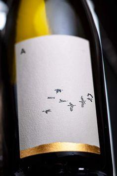 Wine Bottle Design, Wine Label Design, Wine Bottle Labels, Beer Label, Food Packaging Design, Bottle Packaging, Spiritus, Wine Brands, Branding