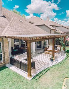 Patio Plans, Backyard Plan, Backyard Pool Designs, Free Pergola Plans, Backyard Kitchen, Outdoor Pergola, Backyard Pergola, Porches, Patio Layout