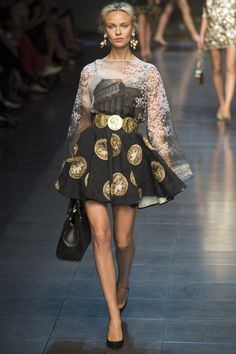 Taking ancient ruins coins, Domenico Dolce and Stefano Gabbana showed us Ancient Sicily in all its beauty and opulence.