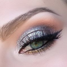 Bring on the glamour as you paint the town red with a scintillating silver and gold smoked out gaze. Ace this lustrous look by checking out these makeup must-haves and how-to.