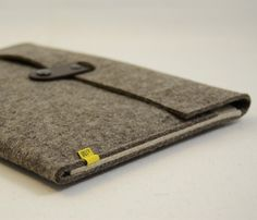 Wool Felt iPad Sleeve / by anonimaMente design