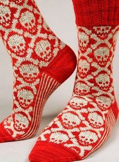 Knit Picks: Hot Crossbones Socks by Camille Chang. Great looking socks though. Knitting Projects, Knitting Patterns, Crochet Patterns, Estilo Rock, My Socks, Boot Socks, Knit Picks, Knitting Socks, Purple And Black