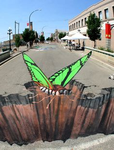 Street art is amazing and unique. Usually people think that street art is all about vandalism and nothing more. This collection, however, proves that street art can be exceptionally beautiful. 3d Street Art, 3d Street Painting, Amazing Street Art, Street Art Graffiti, Street Artists, Amazing Art, Graffiti Artwork, Awesome, Edgar Mueller