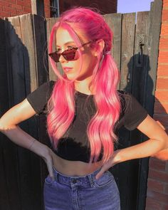 ARCTIC FOX HAIR COLOR As a cold-blooded human I am living for this weather🌞 iamahumanoidreptilian pinkhair colorfulhair hairgoals afvirginpink 824932856727172728 Dark Purple Hair, Light Brown Hair, Long Pink Hair, Girl With Pink Hair, Green Hair, Remy Human Hair, Human Hair Wigs, Arctic Fox Hair Color, Girls Short Haircuts