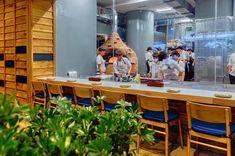 Pizza 4P's Sheraton NT Pizza, Vanity, Desk, Mirror, Furniture, Home Decor, Dressing Tables, Powder Room, Desktop
