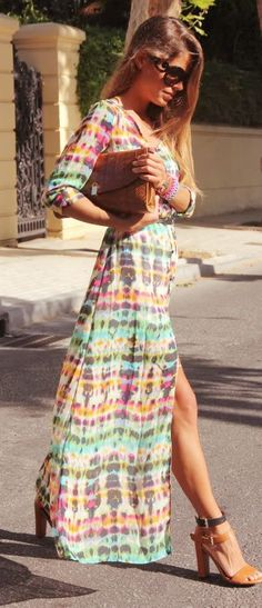 Sunday morning recovery brunch requires the perfect maxi. It features colorful dip dye print and side long slit, slim fit silhouette. Looks insane paired up with high-heels!