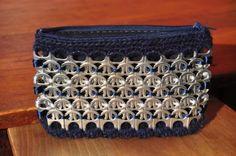 cartera monedero hecho a mano reciclando anillas de lata  anillas de latas,lana,cola de ratón crochet