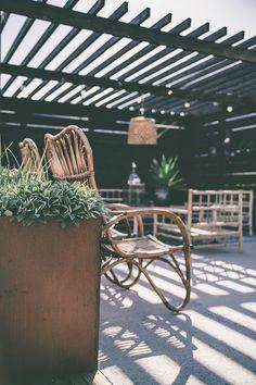 How Does Pergola Provide Shade Info: 1803958652 Outdoor Seating, Outdoor Rooms, Outdoor Dining, Outdoor Decor, Back Gardens, Outdoor Gardens, Petite France, Garden Studio, Outside Living