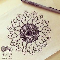 #мандала #графика #орнамент #узор #graphic #art #edding1880 #mandala #ornament #pattern #drawing #рисунок #zentangle #зентангл #dotwork #sketchbook #sketch #paint #instagood #drawing #artwork #tattooart #tattoo #henna #fabercastell   par Gromova_Ksenya
