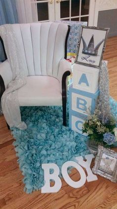 This Icy Blue Geometric Baby Shower Idea Is Anything but
