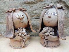 Michaela Lindovská | Galerie V-ATELIER Bird Doodle, Pottery Animals, Pinch Pots, Ceramic Studio, Zentangle, Art Deco, Doodles, Clay, Christmas Ornaments