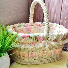 Fotos de Olga Nosareva Wedding Gift Baskets, Wicker Picnic Basket, Basket Decoration, Flower Basket, Easter Baskets, Handmade, Benches, Vintage, Ideas