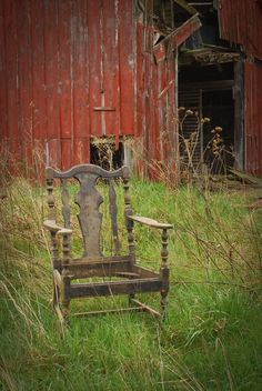 Old'e Homestead Barn & Chair