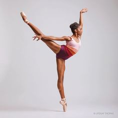 Gorgeous portraits of ballerinas by Lindsay Thomas, a gifted photographer, and videographer based in Seattle, Washington. Ballet Poses, Ballet Dancers, Ballerinas, Dance Photos, Dance Pictures, Lindsay Thomas, Dance Photography Poses, Ballet Beautiful, Modern Dance