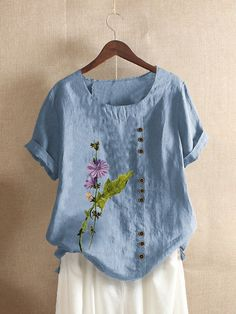 Light Blue Green, Green And Grey, Grey Light, Black White, Looking For Women, Neck T Shirt, Floral Prints, Cute Outfits, Tunic Tops