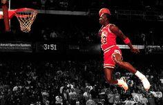 The Famous Michael Jordan dunk from the foul line to win the NBA slam dunk contest. Air Jordan flew seemingly against the laws of gravity! Michael Jordan Basketball, Michael Jordan Slam Dunk, Michael Jordan Photos, Jordan 23, Jeffrey Jordan, Jordan Cake, Jordan Logo, James Harden, San Antonio Spurs