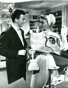Donald O'Connor and Vera-Ellen in Call Me Madam One of my favorite parts! Old Hollywood Movies, Old Hollywood Glamour, Classic Hollywood, Hollywood Men, Vintage Hollywood, Vera Ellen, Donald O'connor, Famous Celebrities, Hollywood Celebrities
