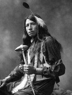 Richard White Bull - OGLALA- 1899 (Uncle Johnny Meens was a chief of the Oglala Sioux. He was such a terrific man. Native American Pictures, Native American Beauty, Native American Tribes, Native American History, American Indians, Native Americans, American Symbols, American Women, American Art