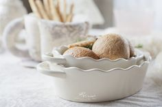 White scalloped ceramic bakeware
