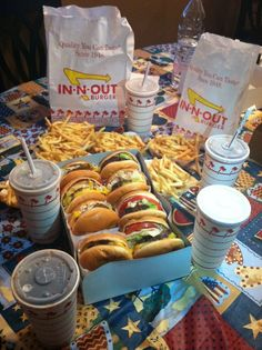 Even though I can't eat In-N-Out, just looking at it makes me drool.  Just sayin' Recipes From Heaven, In And Out Burger, Good Burger, I Love Food, Good Food, Yummy Food, Fast Foods, Miniature, Las Vegas Desserts