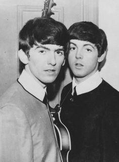 Early in their careers, Beatles George Harrison & Paul McCartney Richard Starkey, Lennon And Mccartney, Les Beatles, Beatles Photos, Thing 1, The Fab Four, Kawaii, Ringo Starr, George Harrison