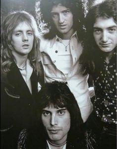 Roger Taylor, Brian May, John Deacon, Freddie Mercury