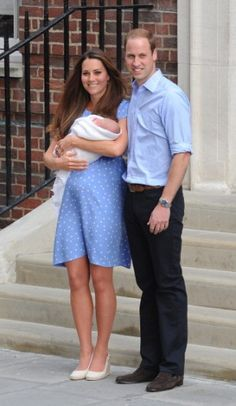 Kate en William met zoontje - Kate Middleton's Baby én Jurk - Nieuws - Fashion - GLAMOUR Nederland Kate George jenny packham